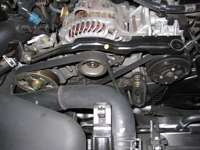 马六2.0发电机皮带安装图解