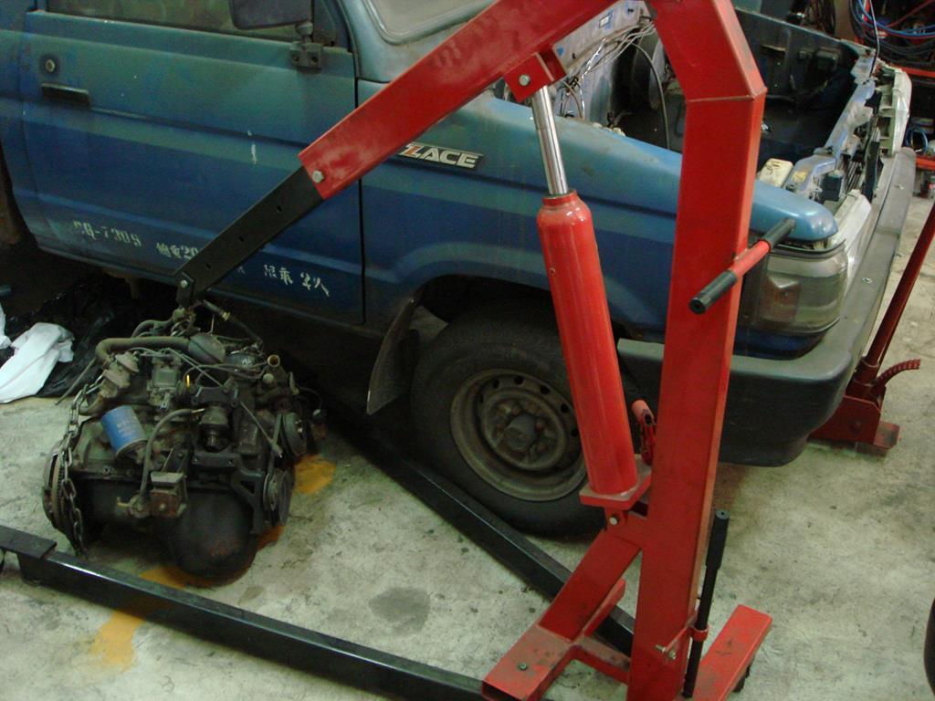 新北市新莊區凱承汽車修護廠 引擎大修也難不倒專業的蘇老闆