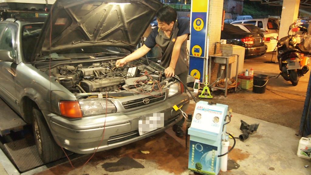基隆新北市瑞芳區推薦維修保養修車汽車廠聖記汽車清除積碳