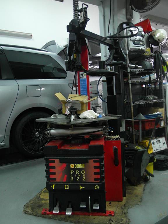 台北市南港區推薦汽車維修保養修車輪胎廠米格汽車底盤維修