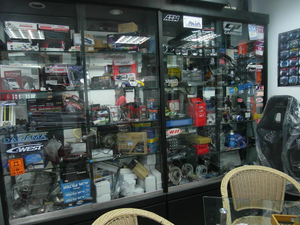 台北市南港區推薦汽車維修保養修車輪胎廠米格汽車改裝品