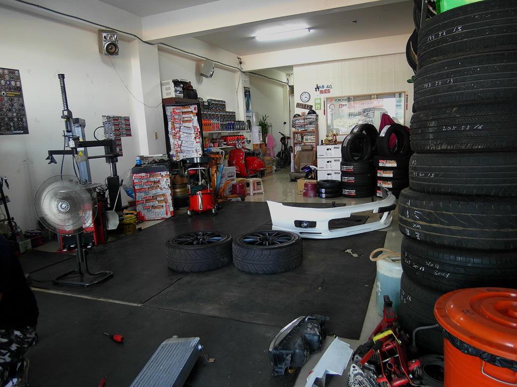 桃園市龜山區推薦汽車維修保養修車輪胎汽車廠丸本輪業車廠環境