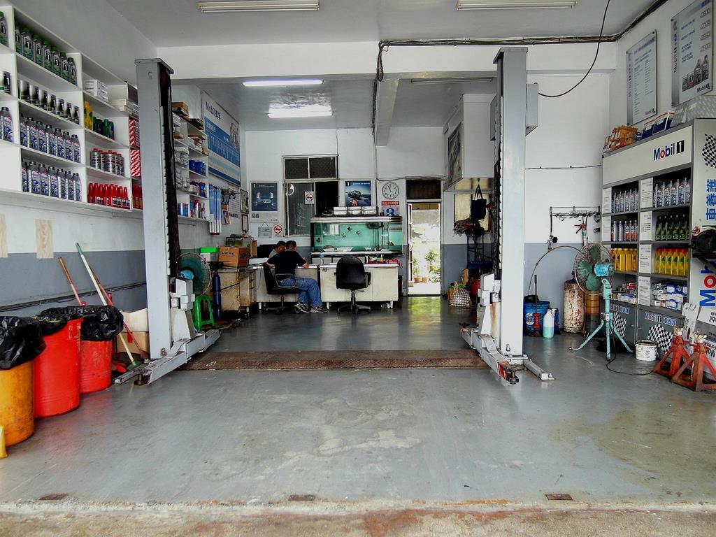 基隆市七堵區推薦汽車維修保養修車汽車廠鍵銘汽車車廠環境