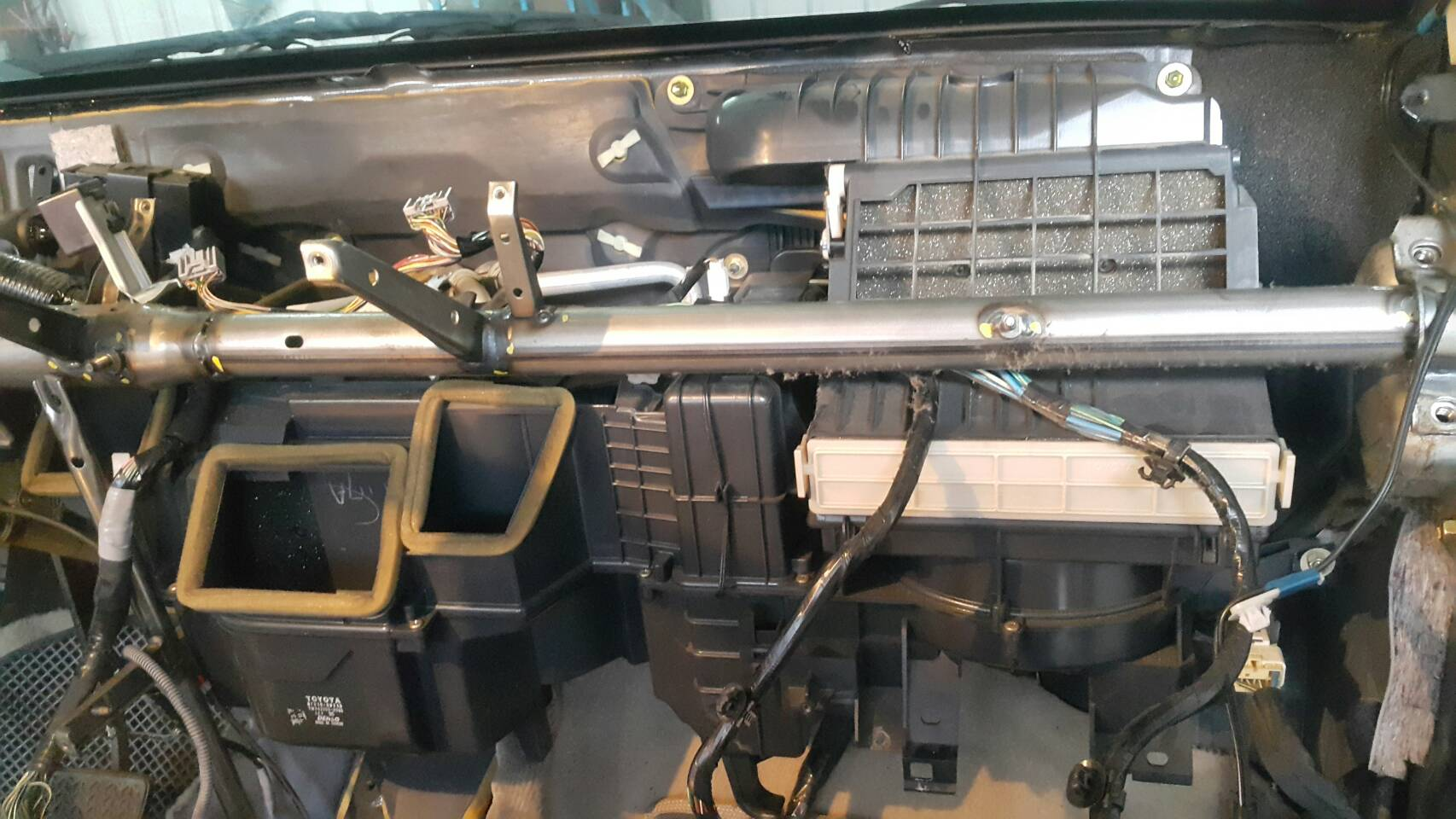 基隆市七堵區推薦汽車維修保養修車汽車廠鍵銘汽車冷氣風箱修繕