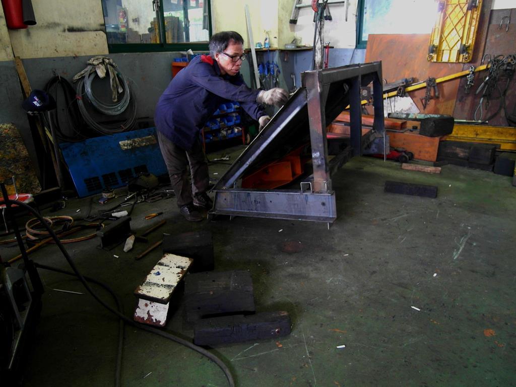 基隆市信義區推薦汽車維修保養修車汽車廠德全汽車車輛維修中