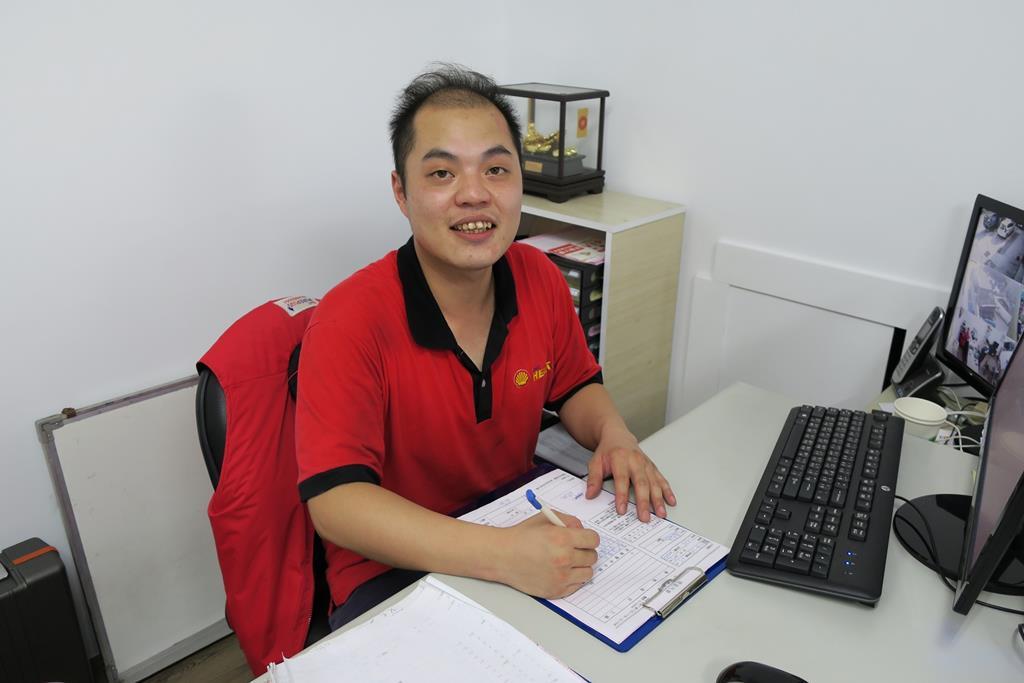 桃園市蘆竹區日系推薦修車廠竣富保修帥氣老闆