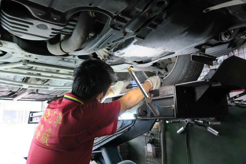 嘉義市東區推薦維修廠進運汽車保養廠底盤異音檢修