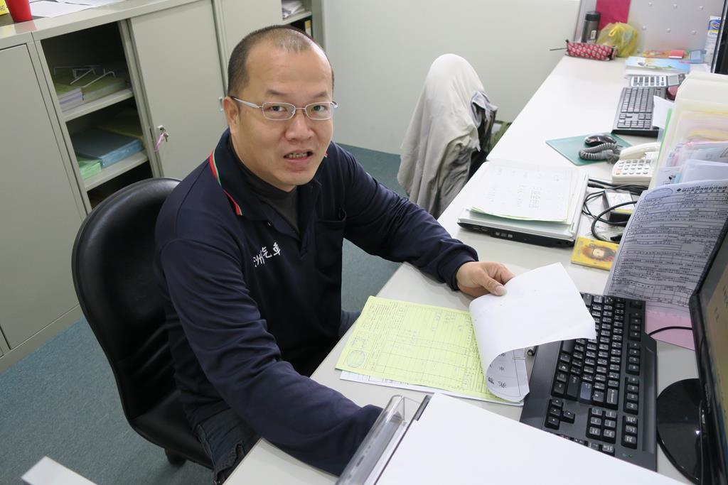台南市安南區推薦維修廠富洲汽車車廠帥氣老闆