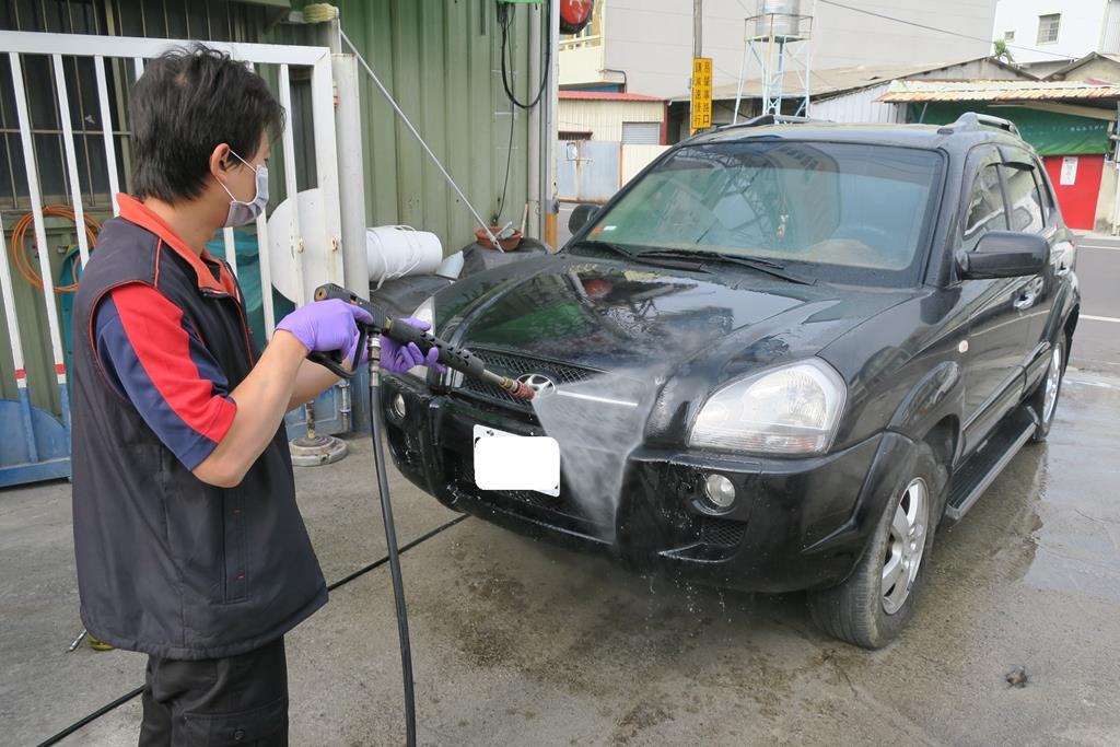 台南市南區推薦維修廠勝迦汽車修護廠洗車服務