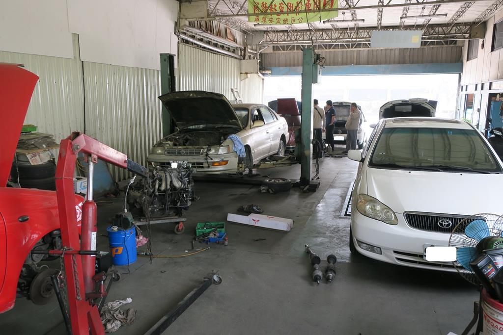 台南市新營區推薦維修廠千翔汽車保修廠車廠環境