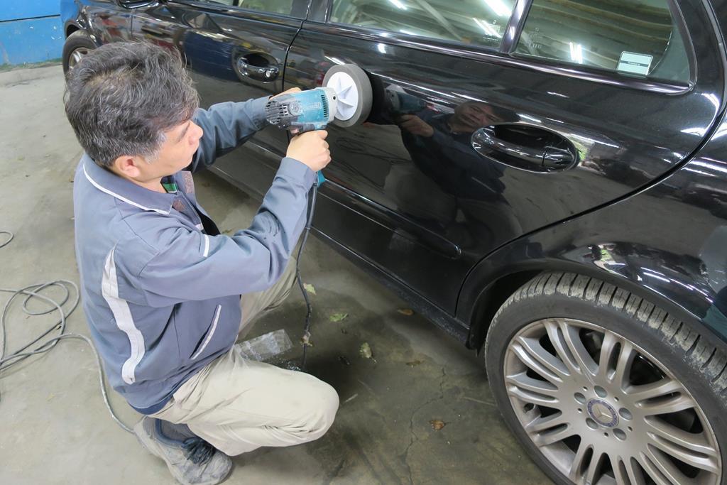 新北市新店區推薦維修廠麗特汽車烤漆上蠟