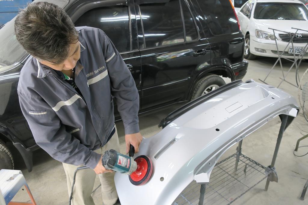 新北市新店區推薦維修廠麗特汽車考漆上蠟