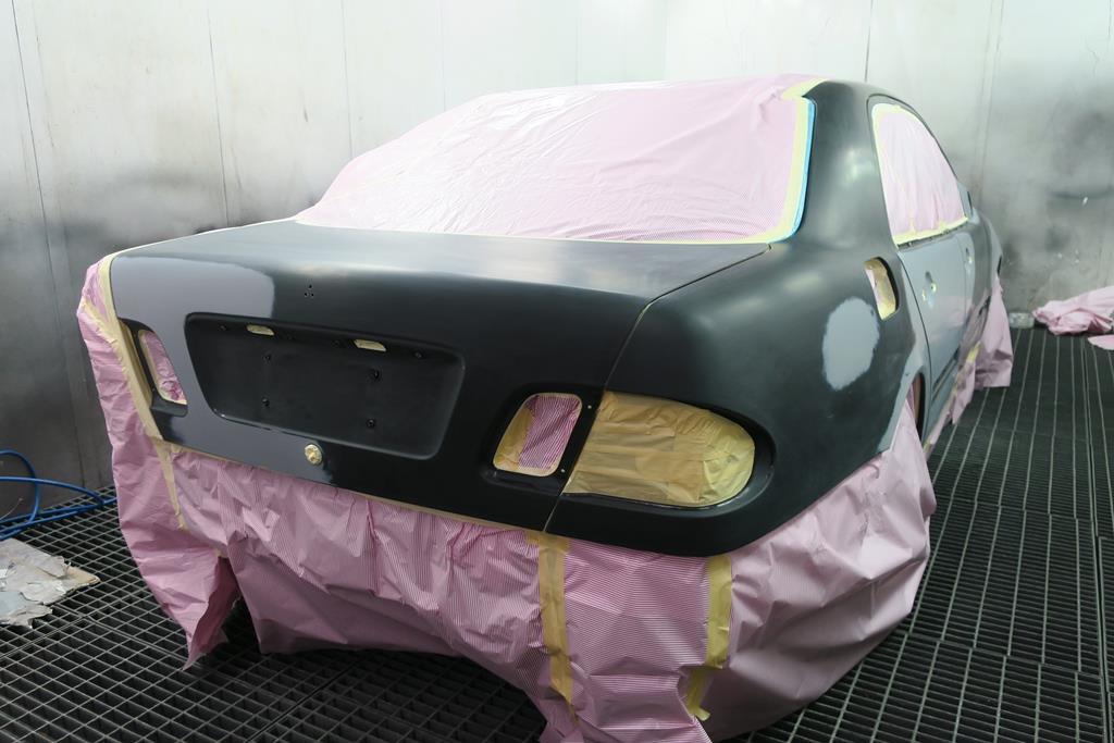 桃園玉成汽車,鈑烤工法相當的細膩,並會在裸鐵上一層保護底漆,耐用品質相當優異