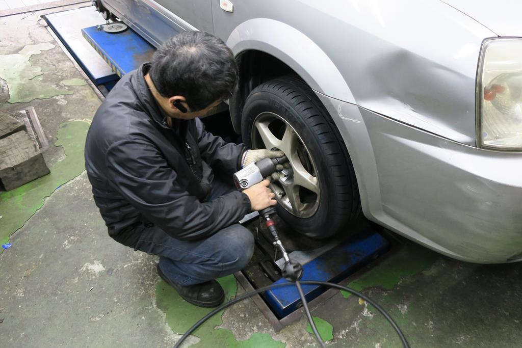 利元汽車輪胎行台北市大安區換胎