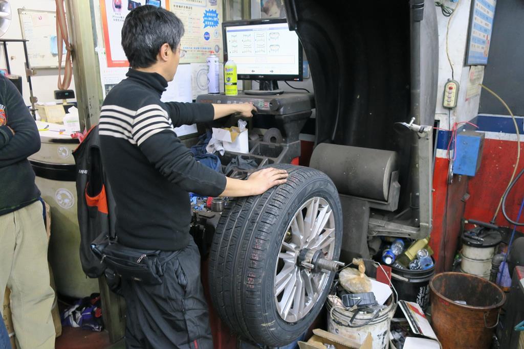利元汽車輪胎行台北市大安區設備情況