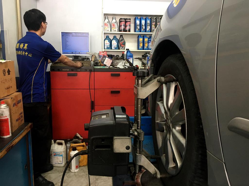 高雄市三民區推薦維修廠固特異-宏易輪胎行品質保證
