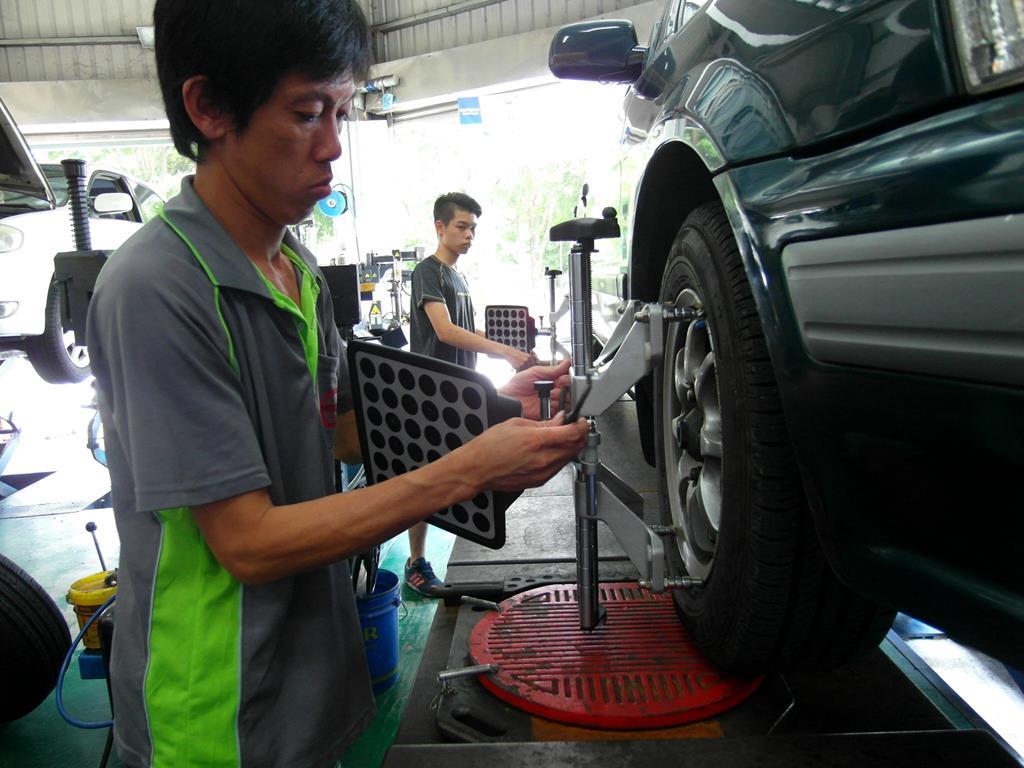 台中市烏日區推薦維修廠固特異-豐緯汽車輪胎四輪定位