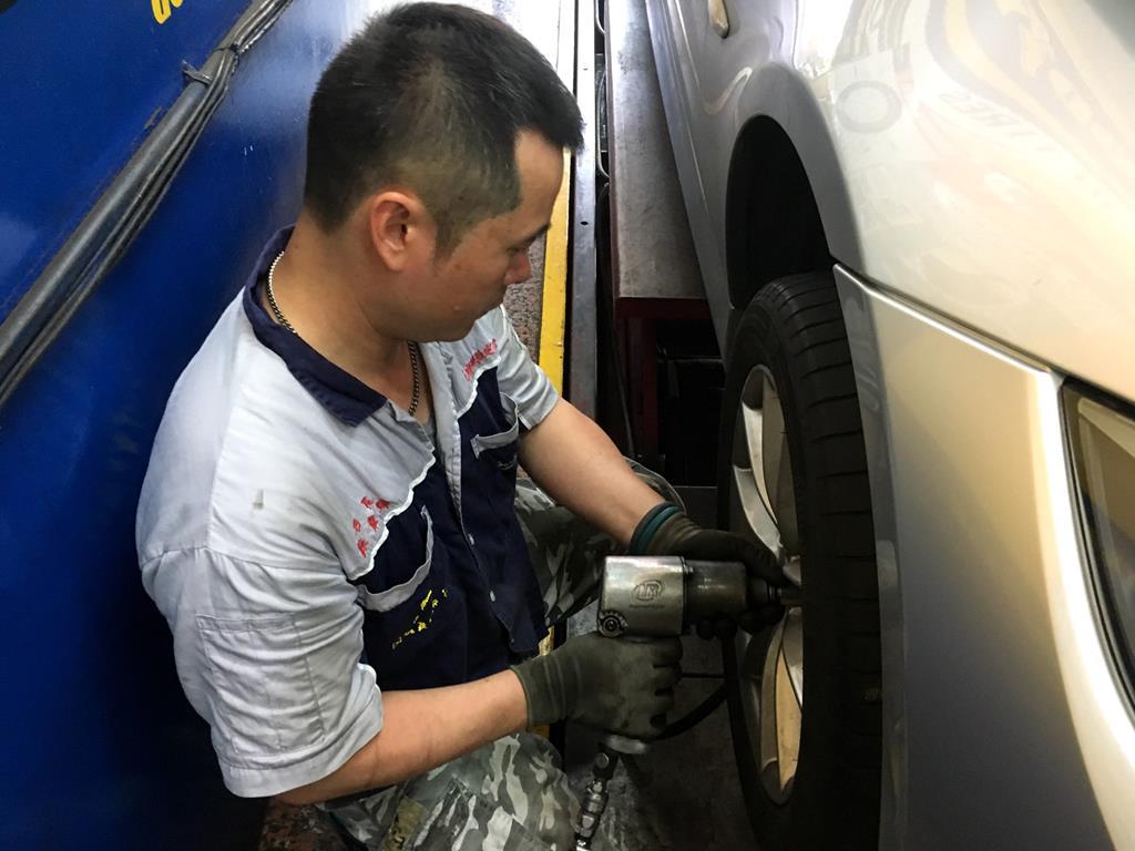 高雄市三民區推薦維修廠固特異-展順輪胎更換輪胎