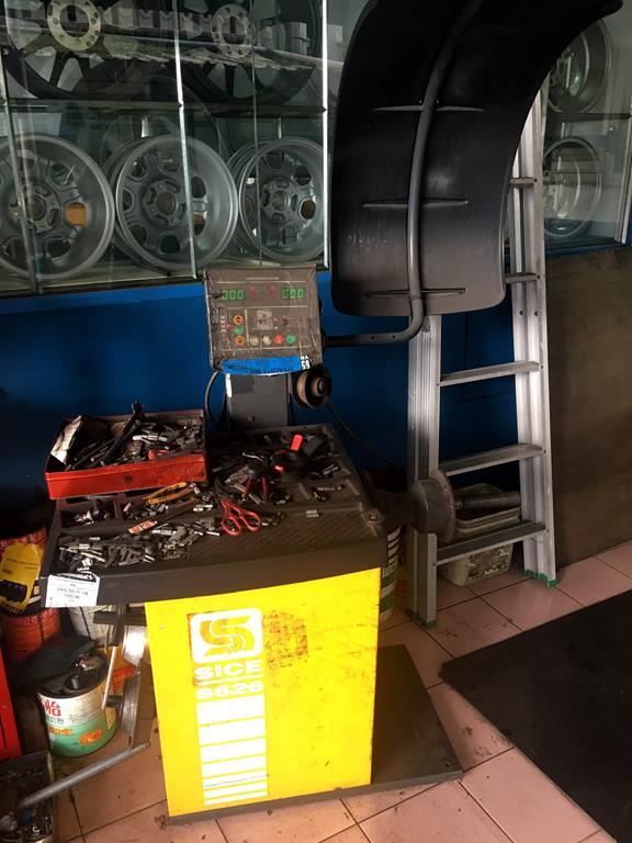 台北市大安區推薦修車廠固特異-偉盛輪胎行平衡儀器