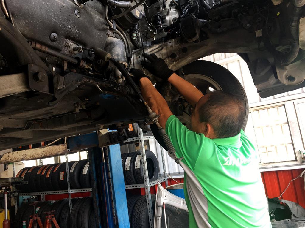 彰化縣花壇鄉推薦維修廠花壇三元輪胎行引擎檢修