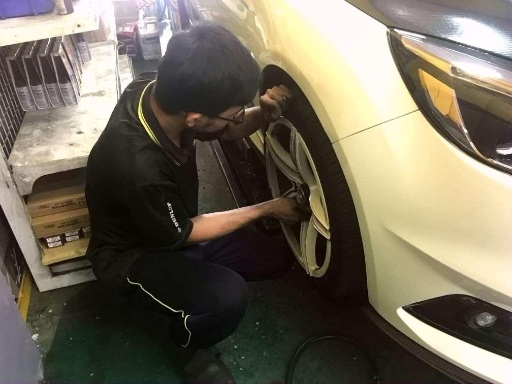 台中市潭子區推薦修車廠固特異-新鴻輪汽車專業保修檢查