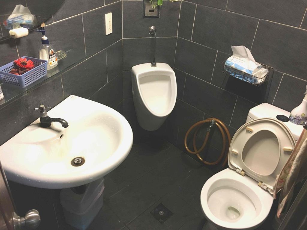 新竹市東區推薦修車廠豐成汽車服務中心廁所