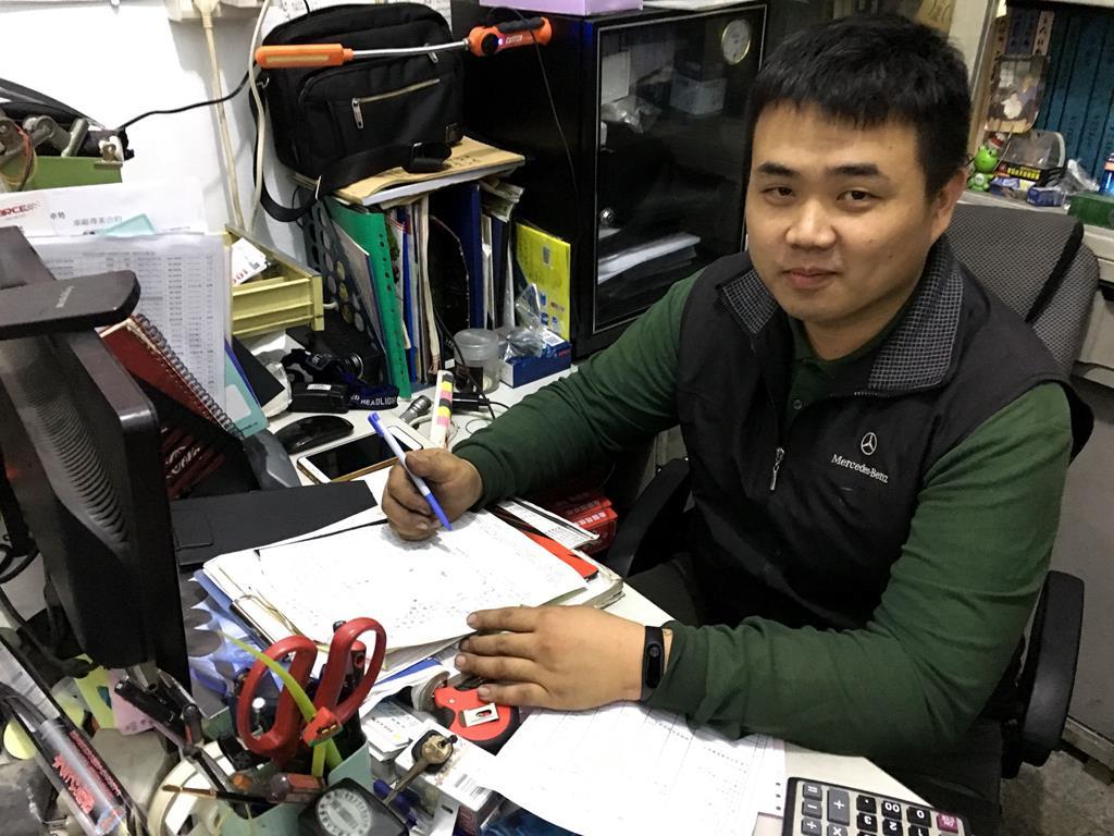新北市淡水區推薦日系保養廠東榮汽車帥氣老闆