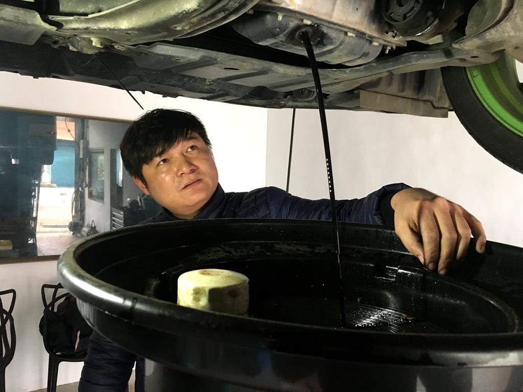桃園市龍潭區推薦修車廠鴻順鑫車業進行保養