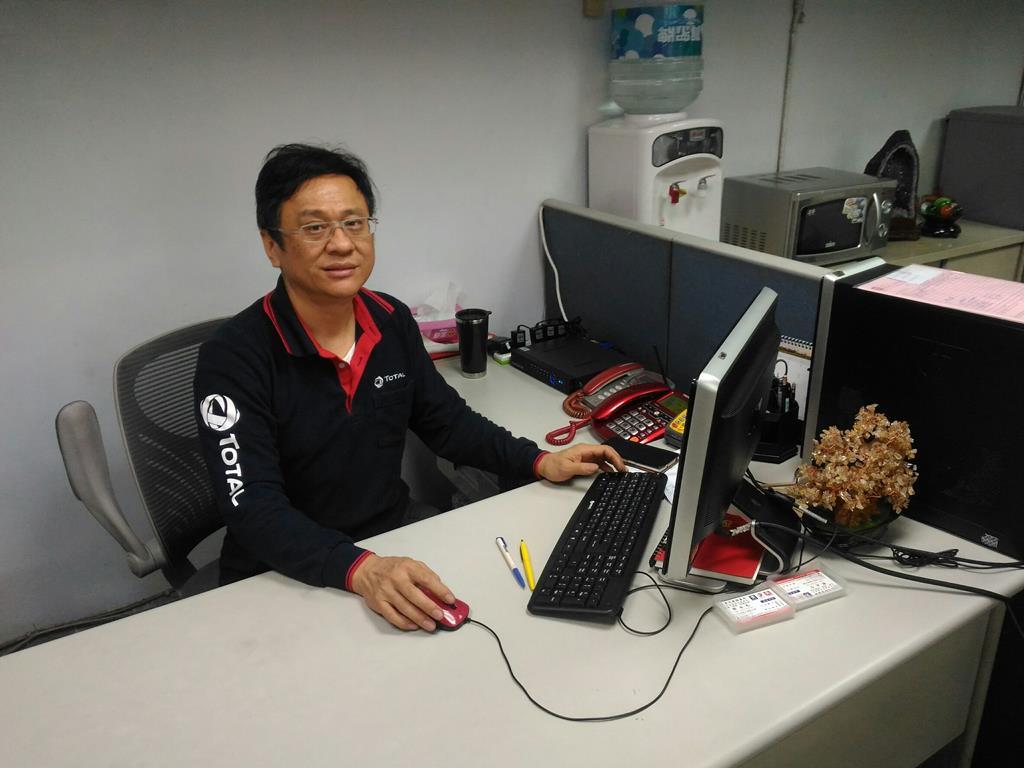 台北市內湖區推薦維修廠連擎汽車帥氣老闆