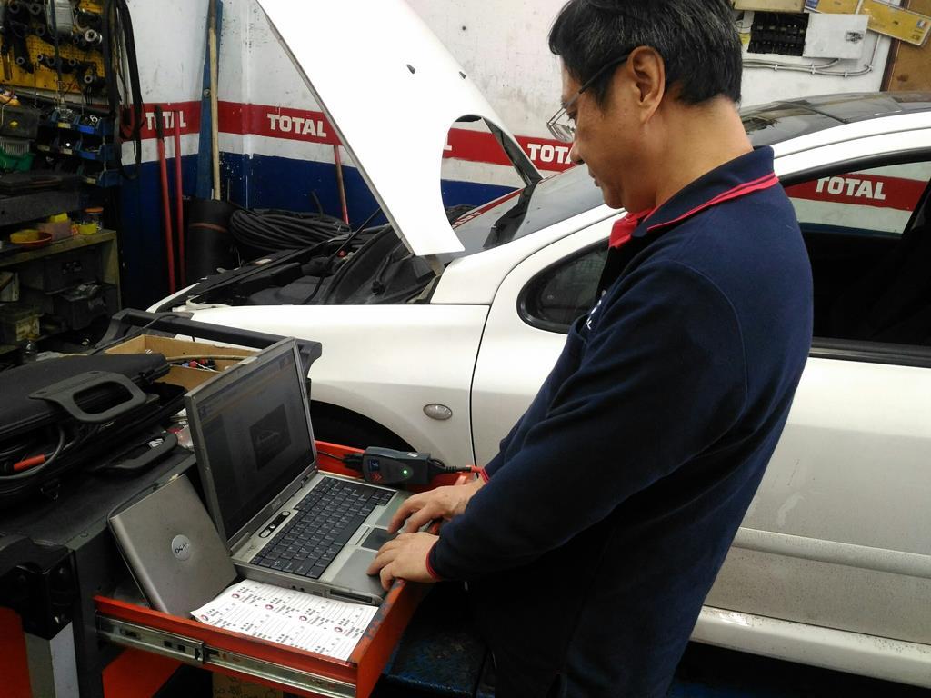 台北市內湖區推薦維修廠連擎汽車電腦診斷