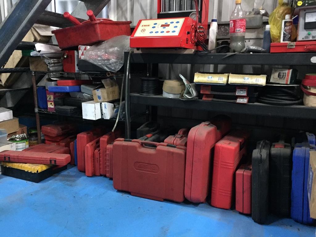 台南市安南區推薦維修廠立得新汽修廠硬體工具