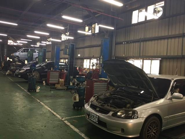 新北市五股區推薦維修廠政錩汽車代檢保修廠硬體設備