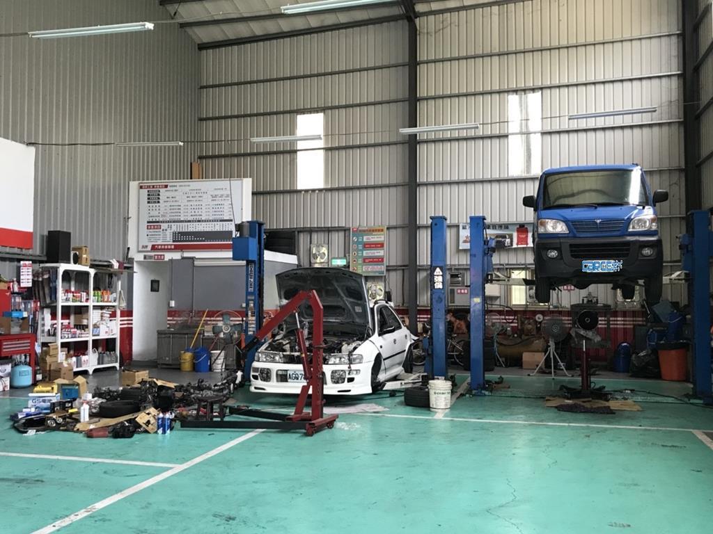 新北市樹林區推薦維修廠賓宜保修車廠內部環境