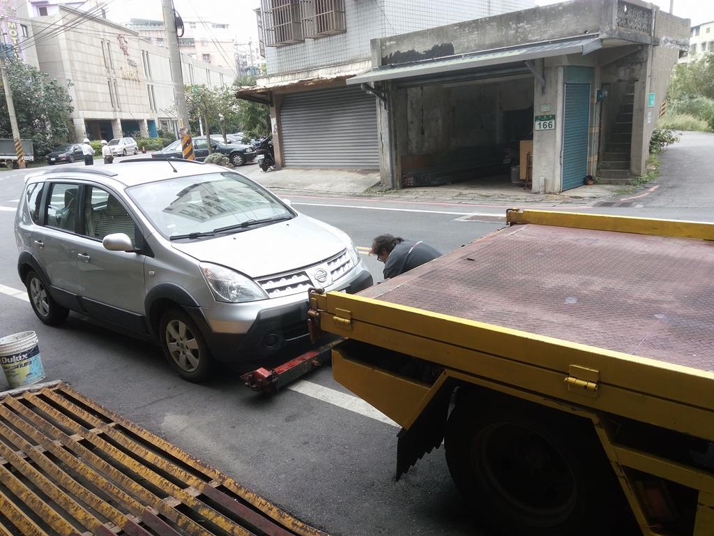 新北市淡水區推薦維修廠慶鴻汽車輪胎保養廠道路救援