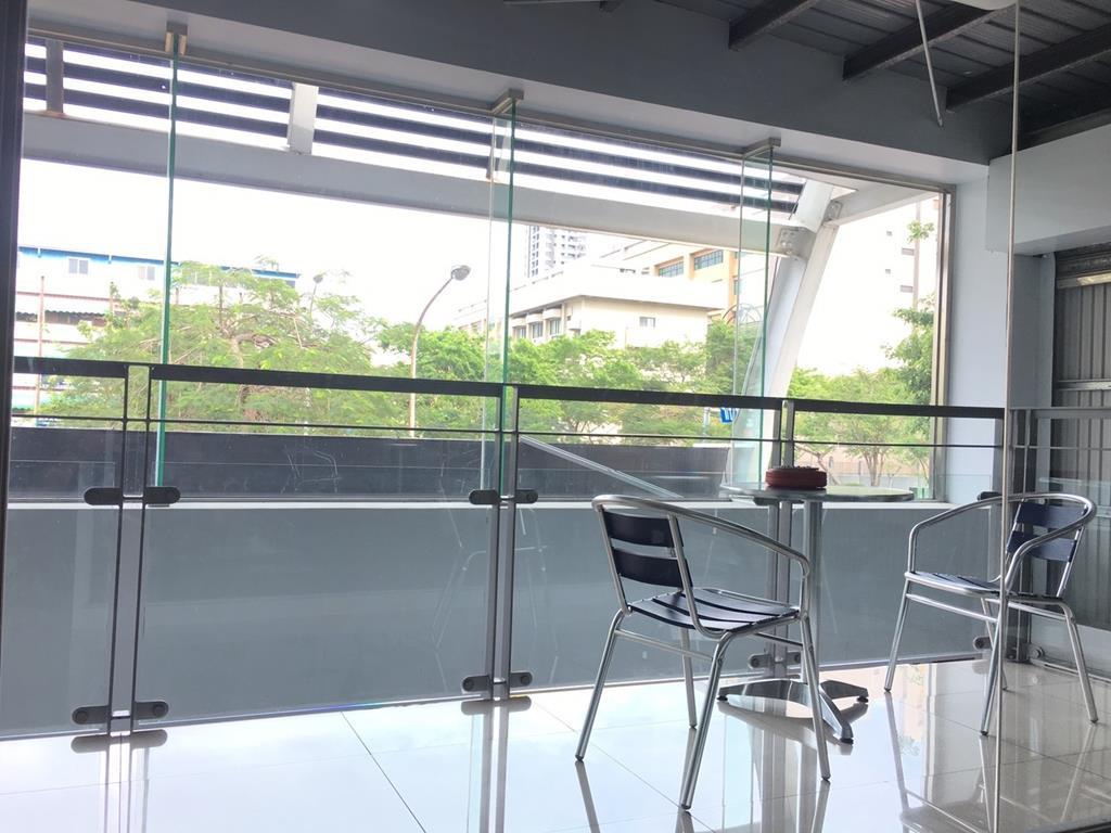 高雄市三民區推薦維修廠汯瑨汽車保修服務廠休息室