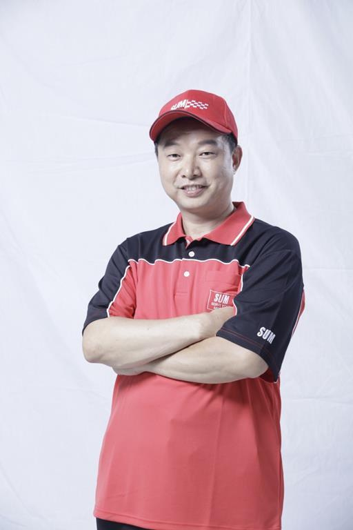 桃園市中壢區推薦維修廠鴻城汽車保修帥氣老闆