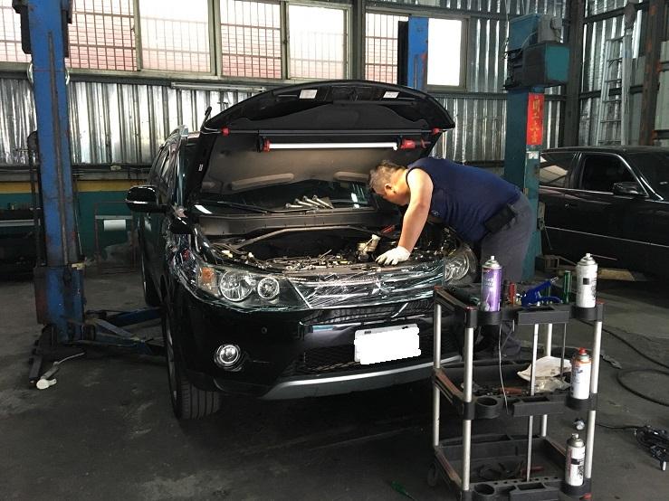上益汽車專業廠台北市士林區維修