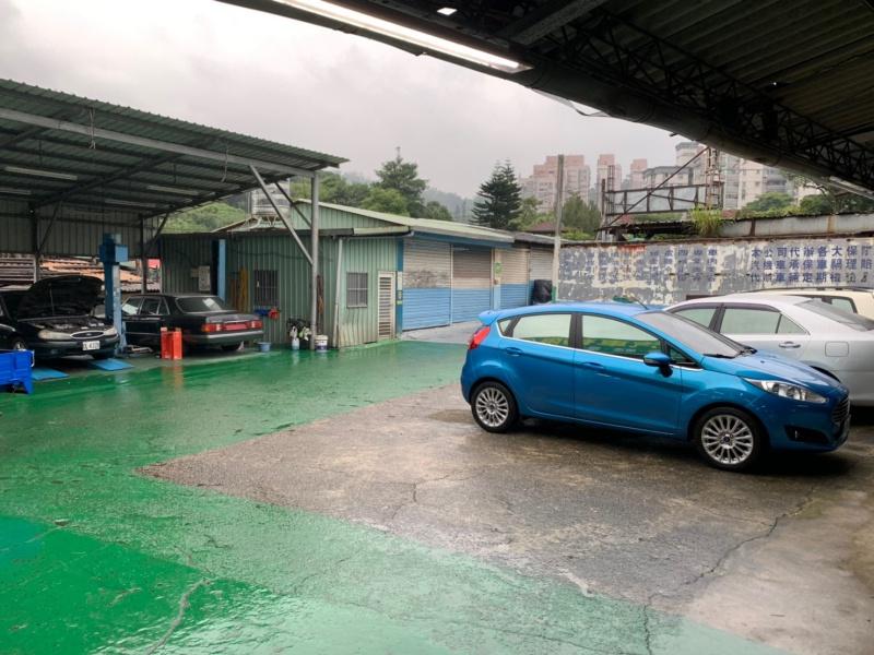 台北市文山區推薦維修廠華欣汽車室內環境
