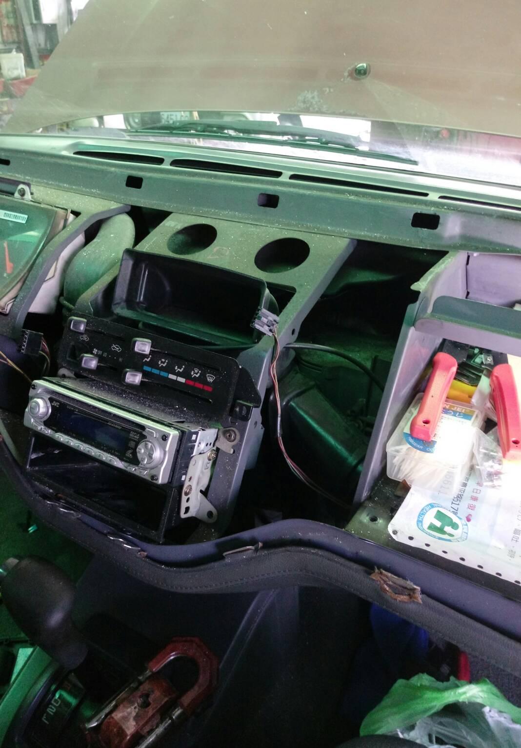 台南市南區推薦修車廠億祥汽機車保修器汽車內部檢測