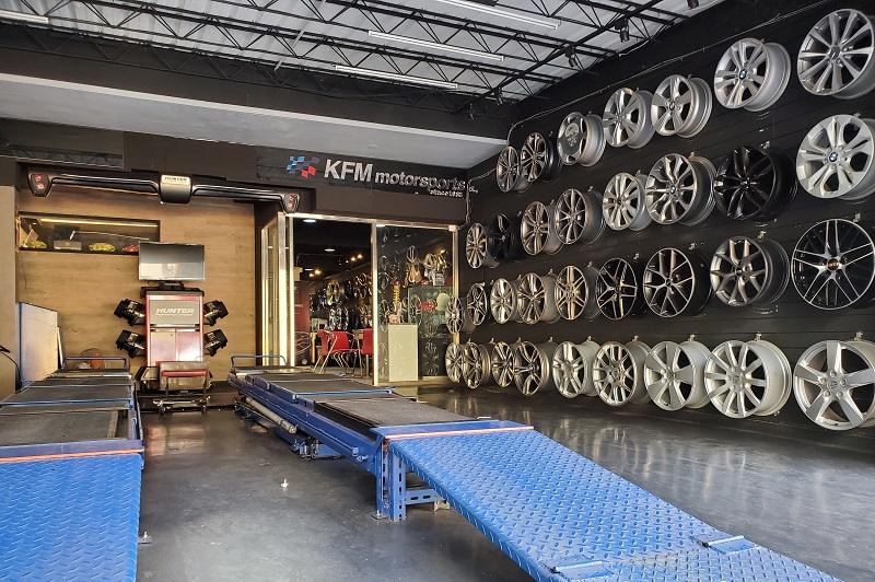 國豐動力-士林廠/汽車養護服務中心,3D四輪定位儀及輪框展示區