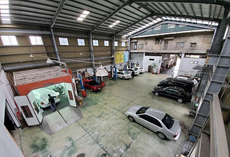 桃園市玉成汽車,300坪的廠房,空間相當寬敞