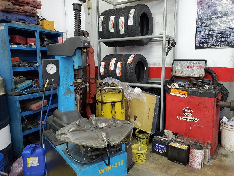 普利擎內壢文化店 備有拆胎機、輪胎平衡機